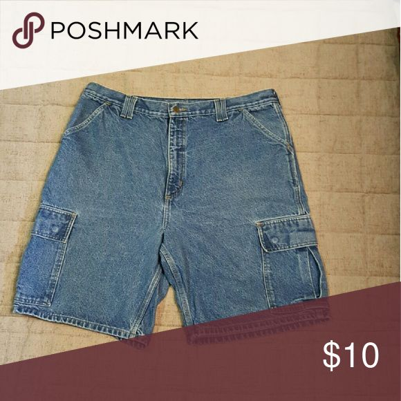 """Men's Carhart Jean Shorts Size 40 Cargo Style w Snap Pockets on rear and sides.  These have a 10"""" inseam and are in very nice condition. Carhartt Shorts Jean Shorts"""
