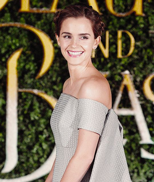 Emma Watson attends the Beauty and the Beast launch at Spencer House, London on February 23, 2017. Pinned by @lilyriverside