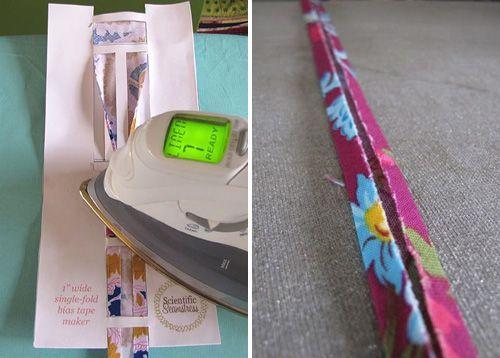 незамысловатый инструмент поможет легко и быстро подготовить косую бейку. Carla Hegeman Crim сделала его из обычной бумаги.