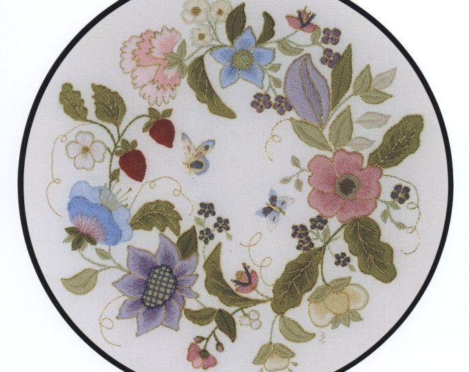 Crewel Embroidery Kit - JACOBEAN LEAVES | Lana y Bordado