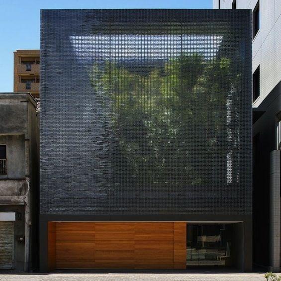 Hiroshi Nakamura et l'agence japonaise NAP signe ce projet de maison individuel à Hiroshima.