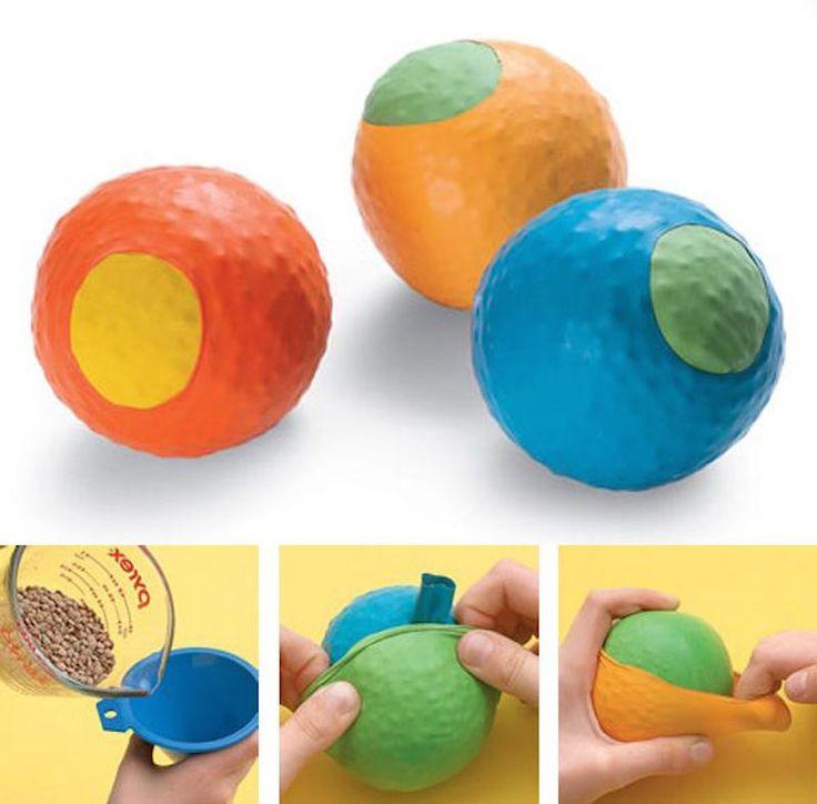 Pelotas antiestrés o de malabares reciclando globos | Aprender manualidades es facilisimo.com