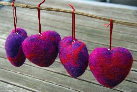 http://www.redvelvetheart.com/wp-content/uploads/2012/01/felted-hearts.jpg