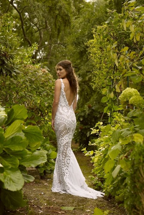 Gown by Jane Hill destination wedding planning by Lexi @lexi_theweddingbutler lexi@weddingbutlers.com www.weddingbutlers.com