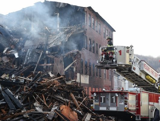Cause remains a mystery in Reading warehouse fire (VIDEO) | Reading Eagle - NEWS