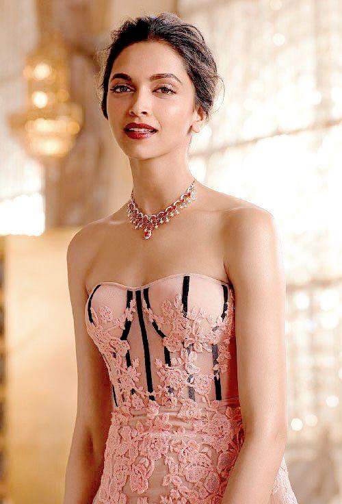 Deepika Padukone's Tanishq Jewellery Photoshoot Queen of Heart 2016