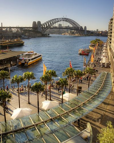Sydney Harbour / walkway to the Opera House at Circular Quay