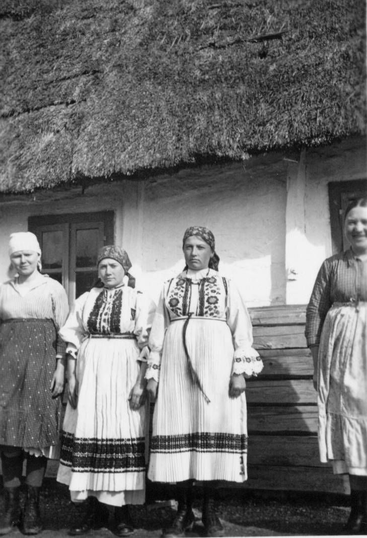 Women In Costume Samobor Zagorje Croatia Croatia Samobor Costumes