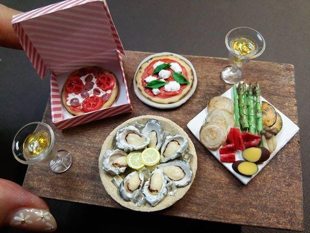牡蠣とシャブリですよ  #牡蠣#カキ#白ワイン #oyster #oysters #légumes #verdura #oignon #cipolla#wine#chablis #玉ねぎ#asparagus#onion #miniaturefood #miniature