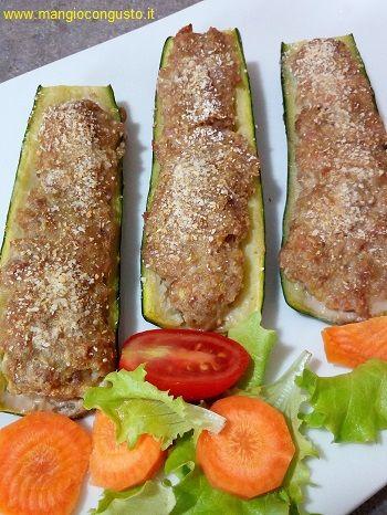 #ricetta #zucchine ripiene (di carne, al forno) http://www.mangiocongusto.it/2017/05/17/zucchine-ripiene/