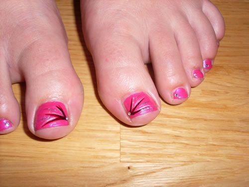 Pedicura rosa de fantasía. Nail Art