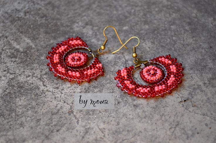 Boucles d'oreille ethniques rouge et saumon : Boucles d'oreille par by-moua