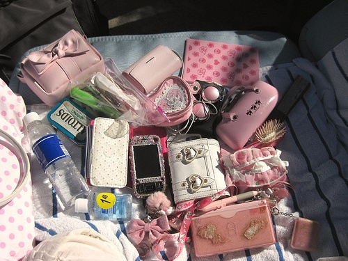 """#stuff #girl #girly #pink #purse """"Dump Out Your Purse"""" Fashion!"""
