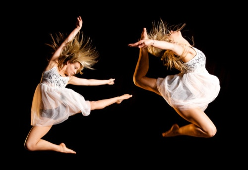 Dance Photographers, Amazing Pictures, Dance Pictures, Things Dance, Studios Photography, Lyrics Dance, Moving Dance, Art Dance, Photography Dancers