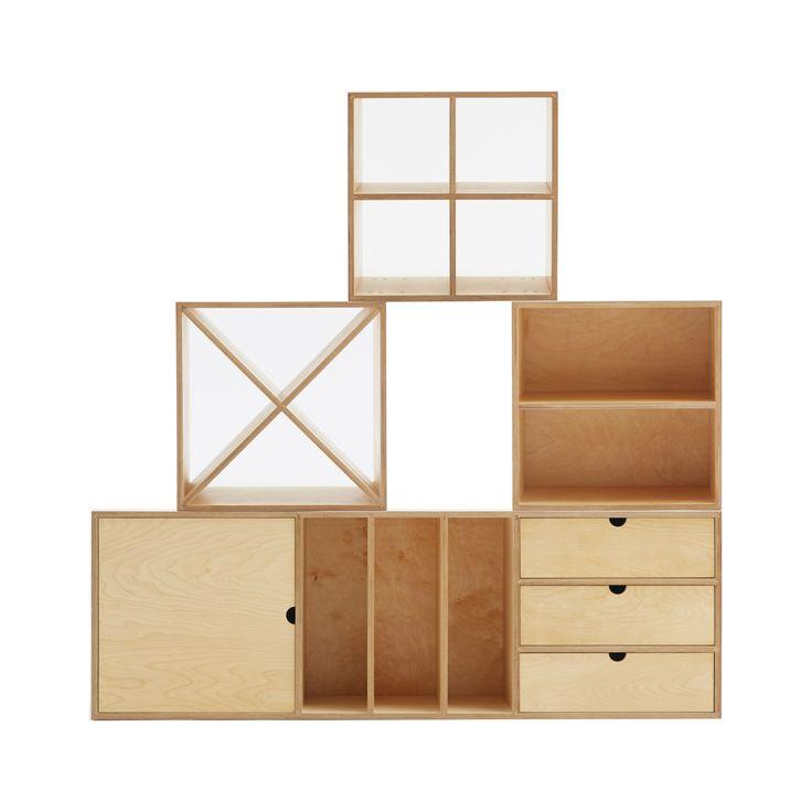 Tworząc ażurowe układy z KUBBIKÓW zyskujesz dodatkową przestrzeń eksponującą ładne lub niewymiarowe przedmioty.