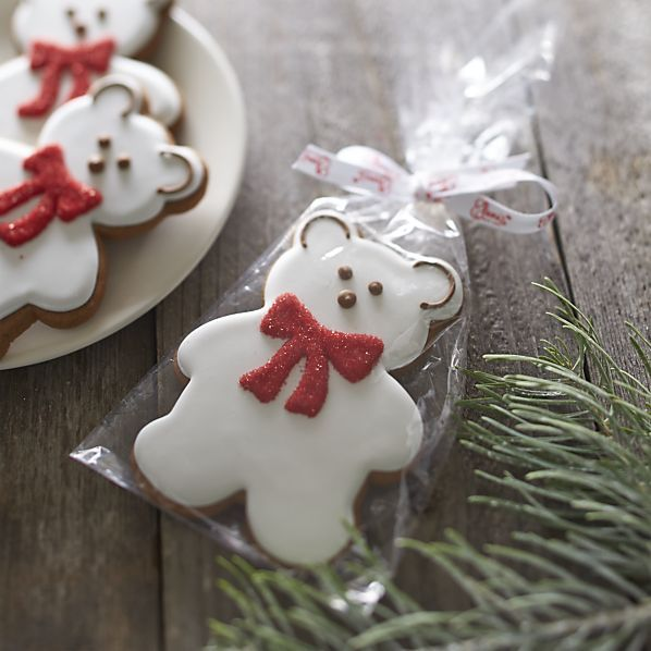 CHRISTMAS COOKIES. Christmas / Winter Ideas ⇨ Follow City Girl at link https://www.pinterest.com/citygirlpideas/ for great pins and recipes! ☕