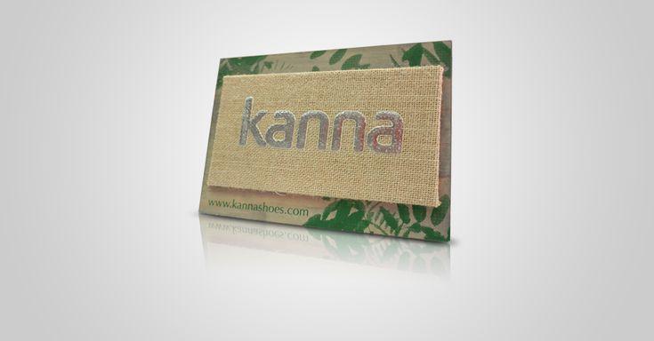 Kanna display en madera, saco y serigrafía.