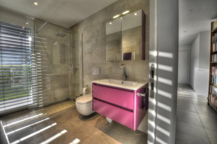 The colored #bathroom of a private #house in Canton Ticino, Switzerland, furnished by #MastellaDesign. #home #homedecor #design #interiors #interiordesign #bathdesign