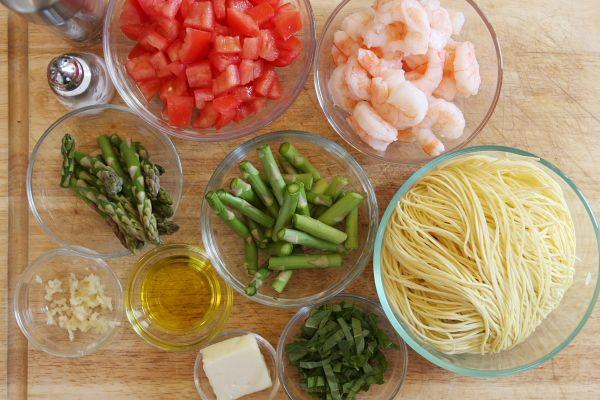 angel hair pasta with shrimp, asparagus & basil