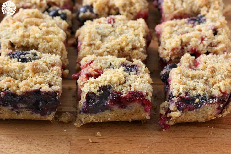 Strawberry Blueberry Crumb Bars