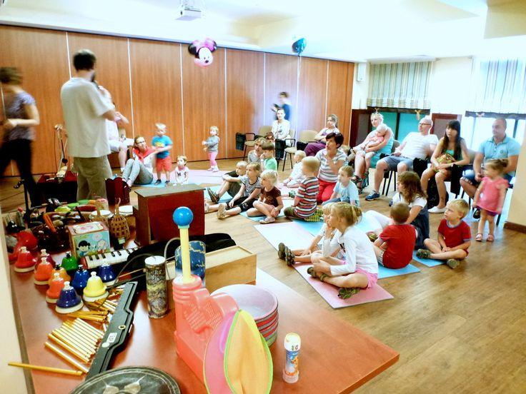 Artystyczne wakacje w Beskidach - Małe instrumenty w hotelu przyjaznym rodzinie www.wierchomla.com.pl
