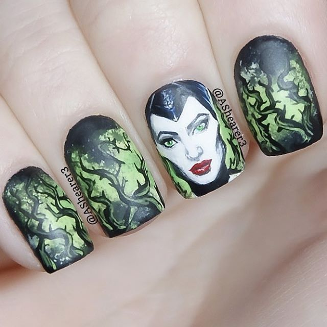 Nail Art Inspired By Disney S Quot Maleficent Quot In 2020 Halloween Nail Designs Maleficent Nails