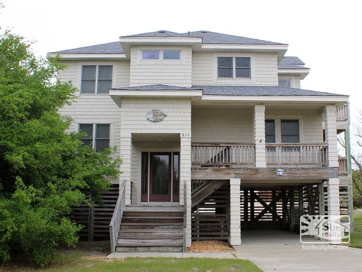 Dolphin-Daze MS-19  Featured Amenities Community Pool Hot Tub Internet Access Non-Smoking Pet Friendly Private Pool  Bedrooms: 4 Baths: 3 ½ Location: Soundside Town: Corolla, NC View: Sound Check-in: Saturday  September 24, 2016$995.00$1,990.00