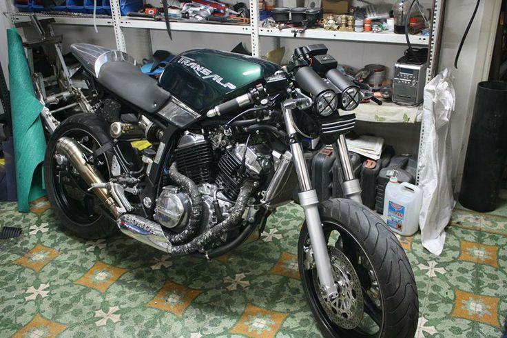a few #details left  #motorcycle #customizing #honda #transalp #project  https://www.facebook.com/j.sourmelidis