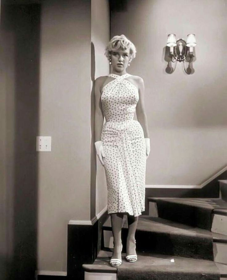 On set of The Seven Year Itch!