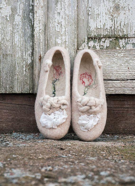 Vrouwen vilten pantoffels wil je mijn van BureBureSlippers op Etsy