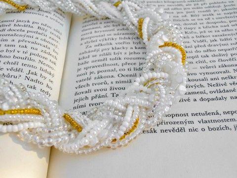 Se zlatým proužkem - náhrdelník náhrdelník korálky zlatá elegantní bílá maxi extravagantní výrazné masivní proužek na krk