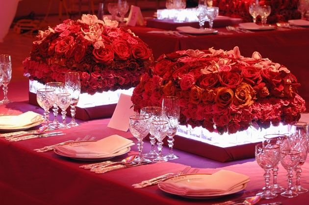 Low centerpieces can be very attractive