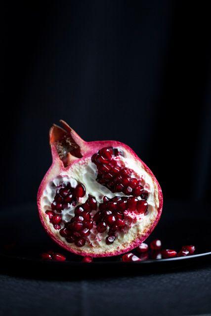 Food Photography: pomegranate | pomegranate . Granatapfel . grenade | Food. Art + Style. Photography: Food on black by Araceli Paz |