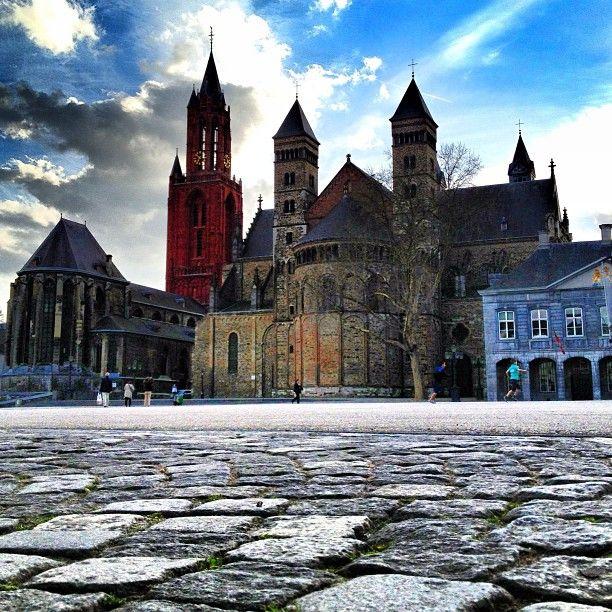 Maastricht: september 1992 - september 1996 en oktober 1997 - september 1999.