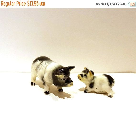 ON SALE Mother Sow & Baby Collectible Pigs by Donellensvintage