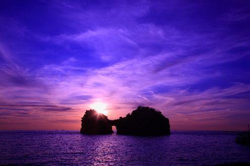 円月島 | 白浜観光協会公式サイト | 南紀白浜観光ガイド | 海と温泉のリゾート