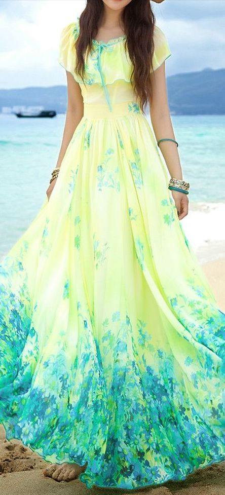 floral maxi dress.. love the colour.. flow and everything about this beauty!