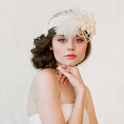sweet and simple hair and makeup and a 20's inspired headpiece: Hair Pieces, Wedding, Headbands Style, Bridal Hair, Hair Accessories, Headpieces, Feathers, Flappers, Bridal Headbands