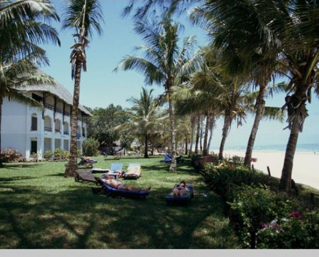 PAPILLION LAGOON REEF HOTEL- Papillon Lagoon Reef Hotel overlooks the white sands and coral reefs of Diani Beach, some 35 kms south of Mombasa. The hotel is built on a gentle slope with 20 acres of beautifully landscaped gardens. This hotel can accommodate 300 people in three storey thatched buildings.