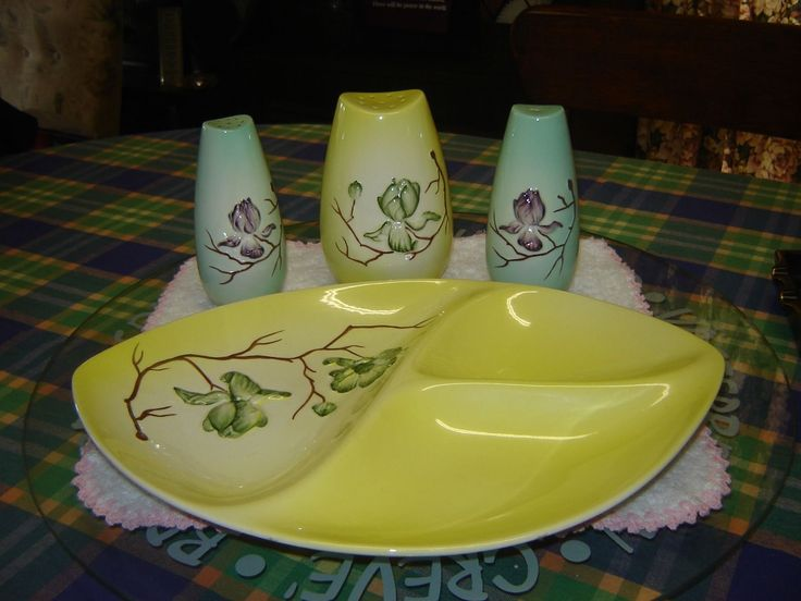 "LOVELY CARLTON WARE EMBOSSED ""MAGNOLIA"" 3 WAY TRAY & SUGAR SHAKER. EC au.picclick.com"