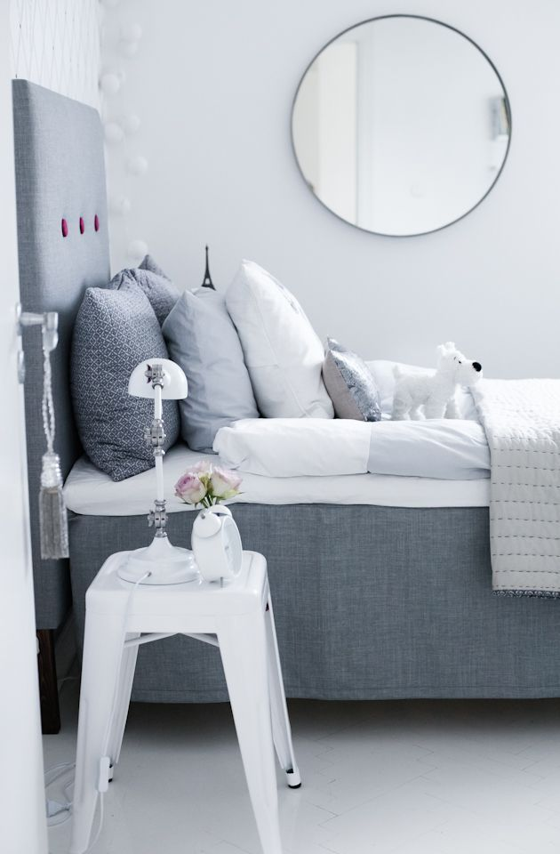 An excellent example of an inspiring room with textiles in different grey tones, combined with white. It is beautiful & peaceful in a harmonious way - inspiring! houseofphilia.blogspot.com Take...