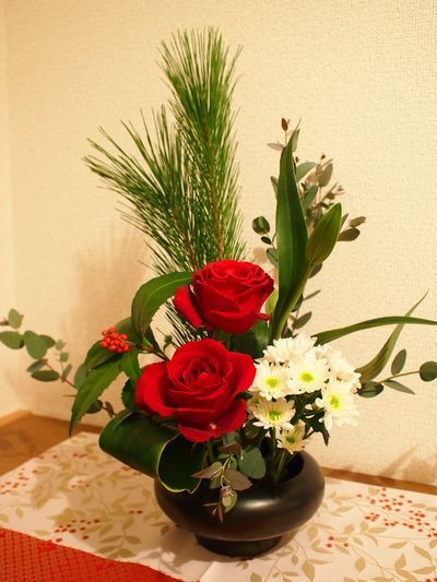 お正月の生花 New Year's Ikebana (flower arrangement) / Free image