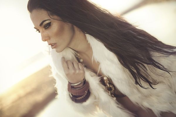 White Glam by D'Alessandro Photography, via Behance