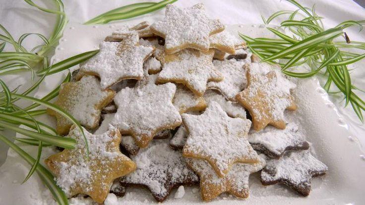 Настоящий «калиссон» должен состоять из миндаля не меньше чем на треть,а то и на половину.  Впрочем, в каждом уголке Прованса есть свои рождественские сладости - пирожные Комбата, сладкие каштаны Арля, яблочные пироги и ореховые «ушки» горного Прованса...