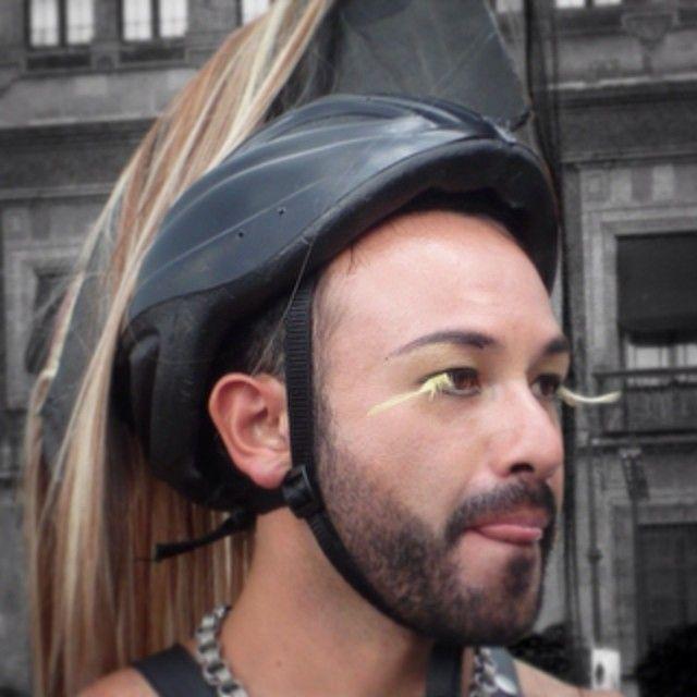 Roman@   Webstagram  Personajes de lo urbano...  Marcha por el Orgullo Lésbico Gay 2009 #VERONICAMONDRAGON