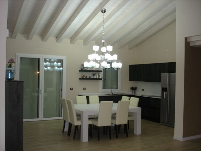 Private Italian House with the Big Chandelier of the collection Mary.. by Luce da Vivere.