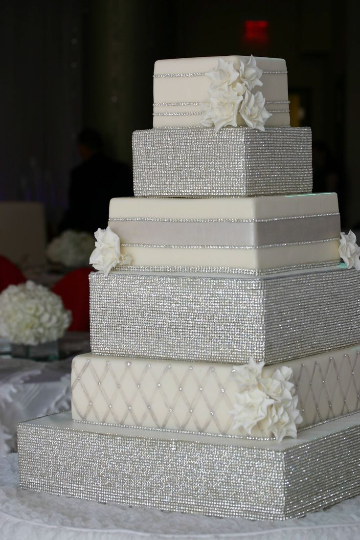 Sparkly Bling Nails: What A Gorgeous Wedding Cake!! Bling!