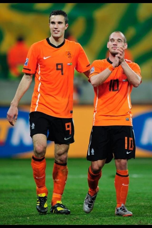 53 best soccer images on pinterest soccer holland and netherlands robin van persie sneijder fandeluxe Document
