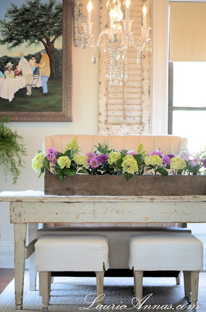 love this centerpiece! via LaurieAnna's Vintage Home-Country Cottages, Vintage Tools, Dining Room Tables, Laurieannas Vintage, Farmhouse Tables, Vintage Homes, Centerpieces, Farmhouse Dining Rooms, Flower Boxes