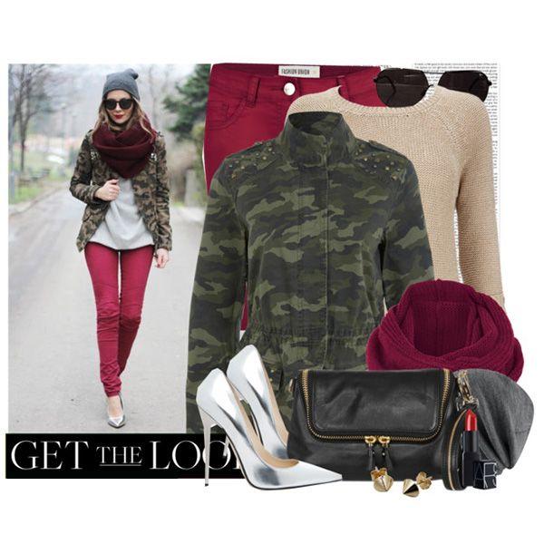 С чем носить серебристые туфли: малиновые джинсы, свитер нейтральных тонов, куртка цвета хаки, черная сумка